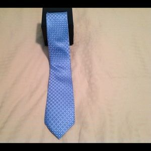 Croft & Barrow tie new with tag. Retails for $34.
